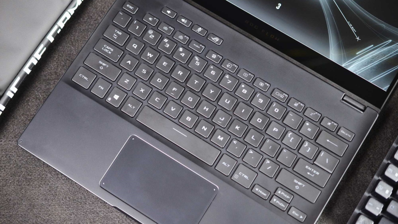 Hands-on: the ROG Flow X13 transforms from ultraportable to ultra-powerful